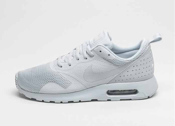 Мужские кроссовки Nike Air Max Tavas (Pure Platinum / Neutral Grey - Pure Platinum) | Интернет-магазин Sole