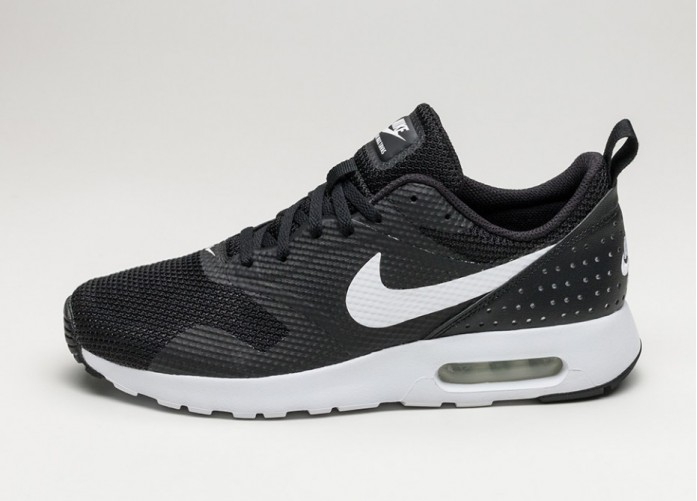 Мужские кроссовки Nike Air Max Tavas (Black / White) | Интернет-магазин Sole