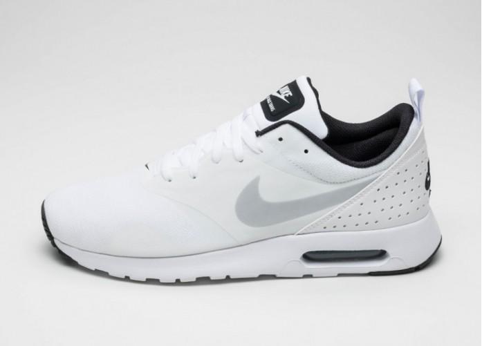 Мужские кроссовки Nike Air Max Tavas (White / Pure Platinum - Black) | Интернет-магазин Sole