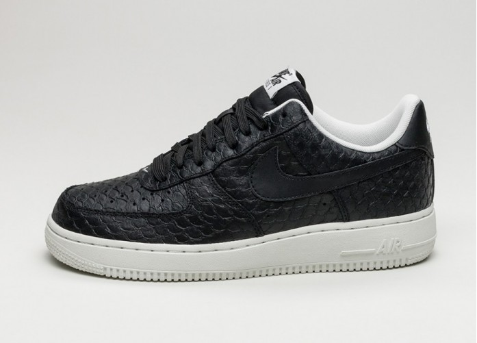 Мужские кроссовки Nike Air Force 1 \'07 LV8 (Black / Black - Summit White) | Интернет-магазин Sole