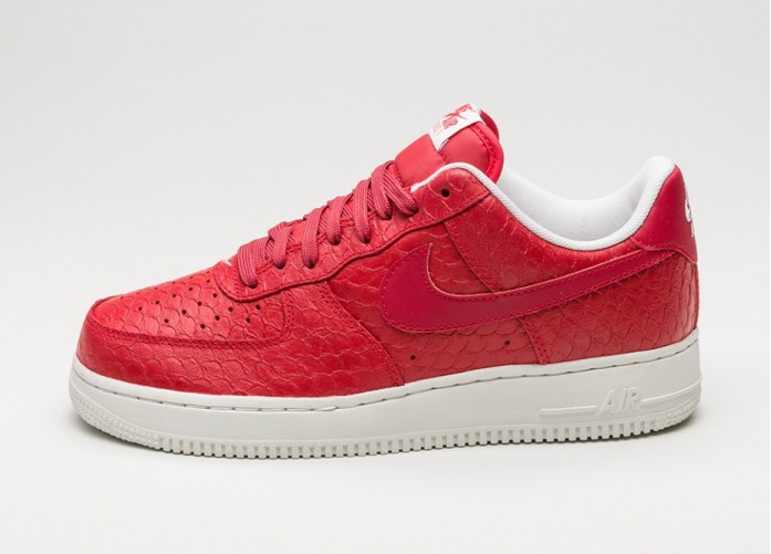 Мужские кроссовки Nike Air Force 1 \'07 LV8 (Action Red / Action Red - Summit White) | Интернет-магазин Sole
