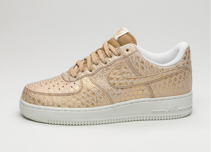 Мужские кроссовки Nike Air Force 1 \'07 LV8 (Metallic Gold / Metallic Gold - Summit White) | Интернет-магазин Sole