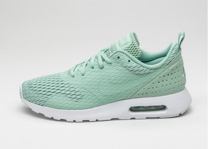 Мужские кроссовки Nike Air Max Tavas SE (Enamel Green / Sail) | Интернет-магазин Sole
