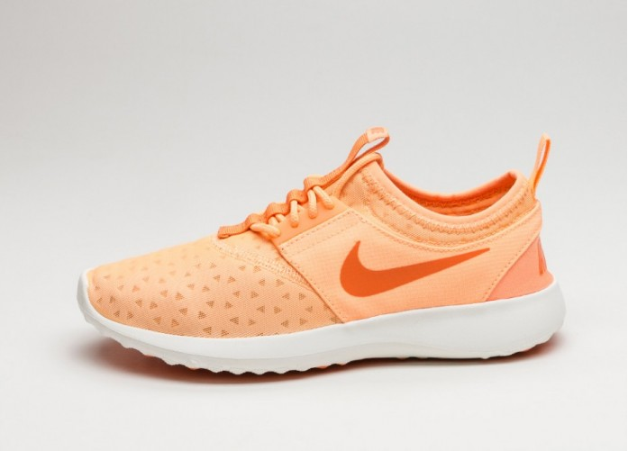 Женские кроссовки Nike Wmns Juvenate (Peach Cream / Bright Mandarin - Sail)   Интернет-магазин Sole