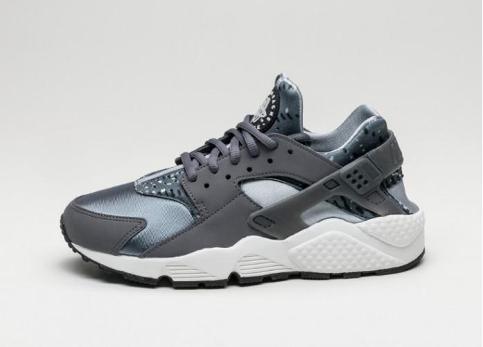 Мужские кроссовки Nike Wmns Air Huarache Run Print (Dark Grey / Wolf Grey - Stealth - Summit White) | Интернет-магазин Sole