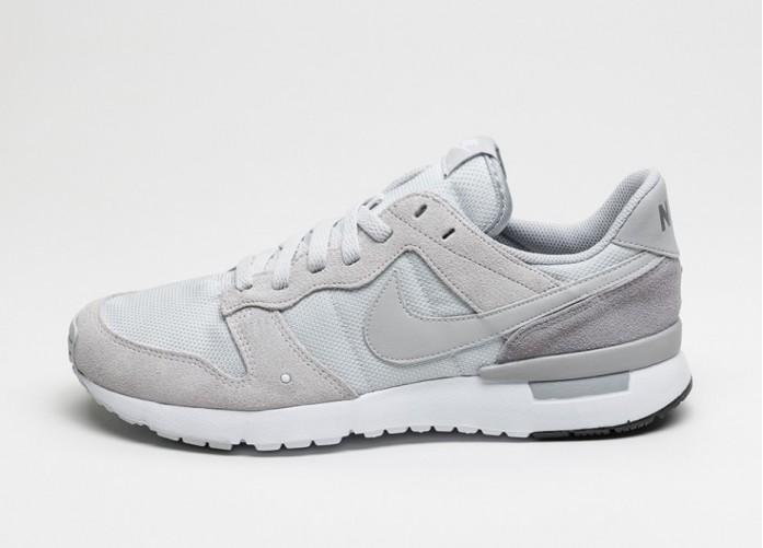 Мужские кроссовки Nike Archive \'83.M (Pure Platinum / Pure Platinum - Wolf Grey) | Интернет-магазин Sole