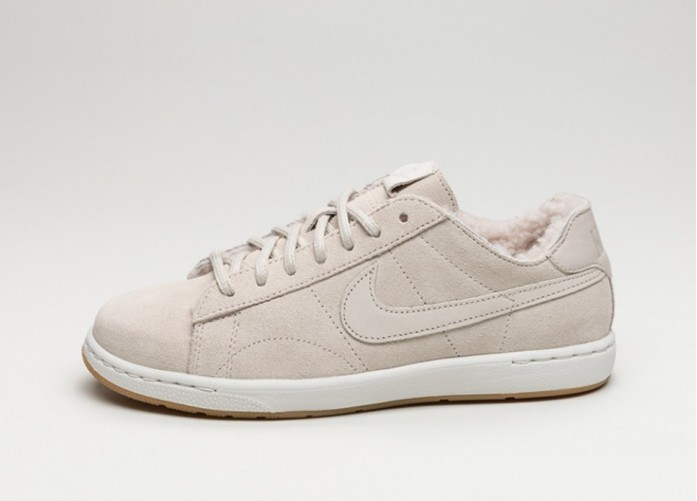 Женские кроссовки Nike Wmns Tennis Classic Ultra PRM *Sherpa Pack* (Birch / Birch - Ivory - Gum Light Brown) | Интернет-магазин Sole