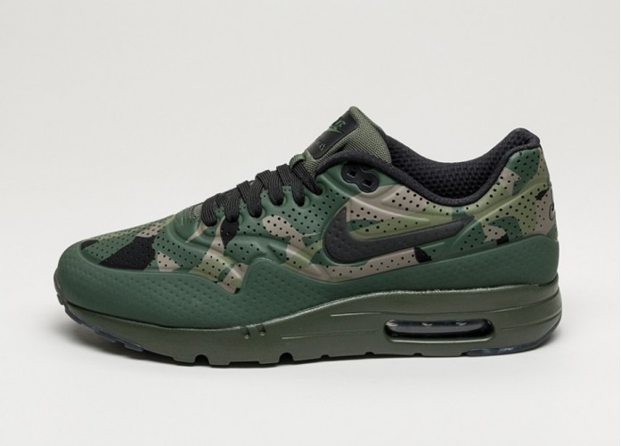 Мужские кроссовки Nike Air Max 1 Ultra Moire Print (Carbon Green / Black - Rough Green - Tarp Green) | Интернет-магазин Sole