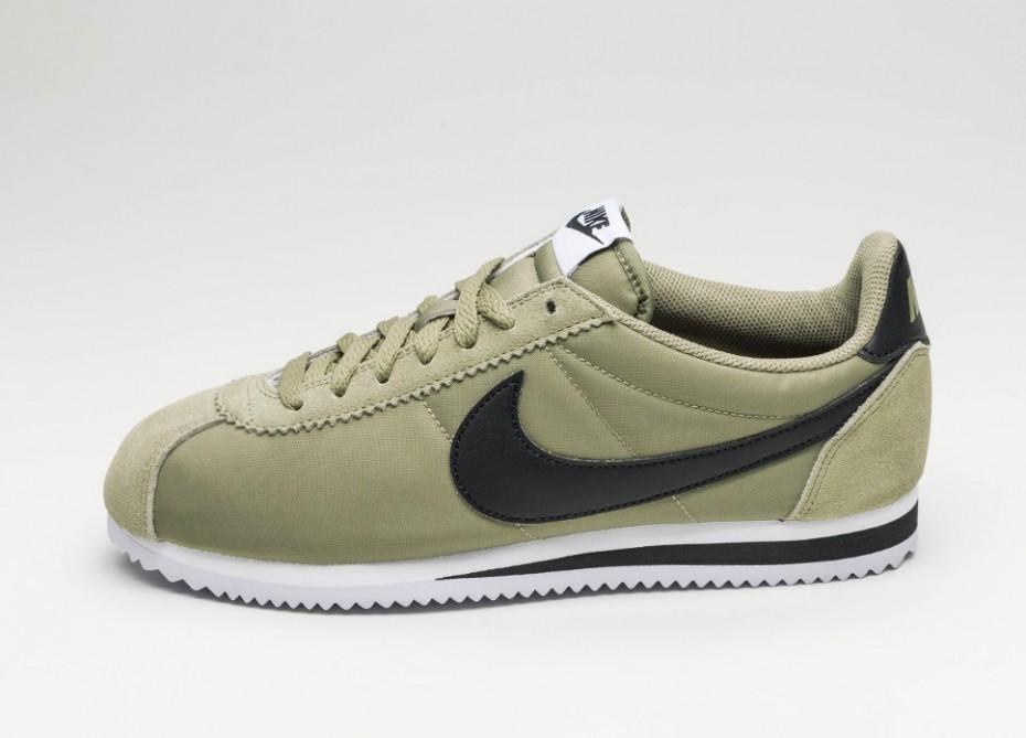 53177703 Мужские кроссовки Nike Classic Cortez Nylon (Trooper / Black - White) |  Интернет-