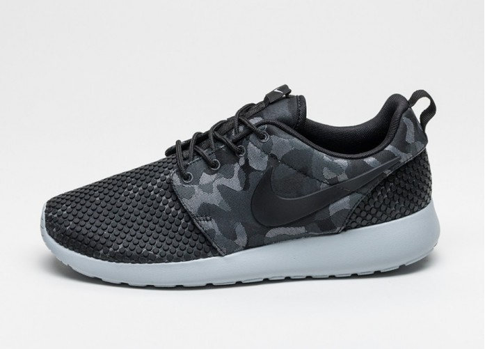 Мужские кроссовки Nike Roshe One Premium Plus (Black / Black - Anthracite - Wolf Grey) | Интернет-магазин Sole
