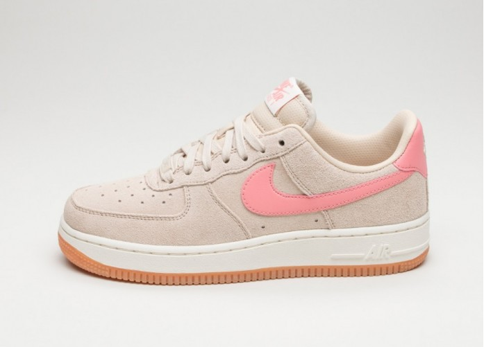Женские кроссовки Nike Wmns Air Force 1 '07 Seasonal (Oatmeal / Bright Melon - Sail) | Интернет-магазин Sole