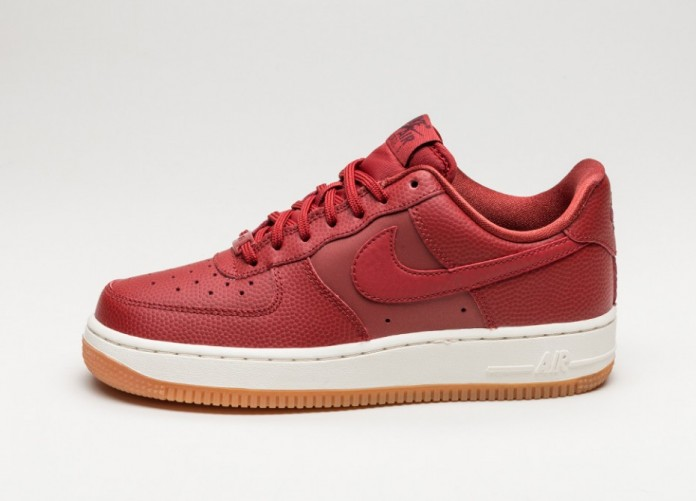 Мужские кроссовки Nike Wmns Air Force 1 \'07 Seasonal (Dark Cayenne / Dark Cayenne - Night Maroon) | Интернет-магазин Sole