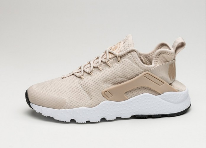 Женские кроссовки Nike Wmns Air Huarache Run Ultra (Oatmeal / Linen - White - Black) | Интернет-магазин Sole