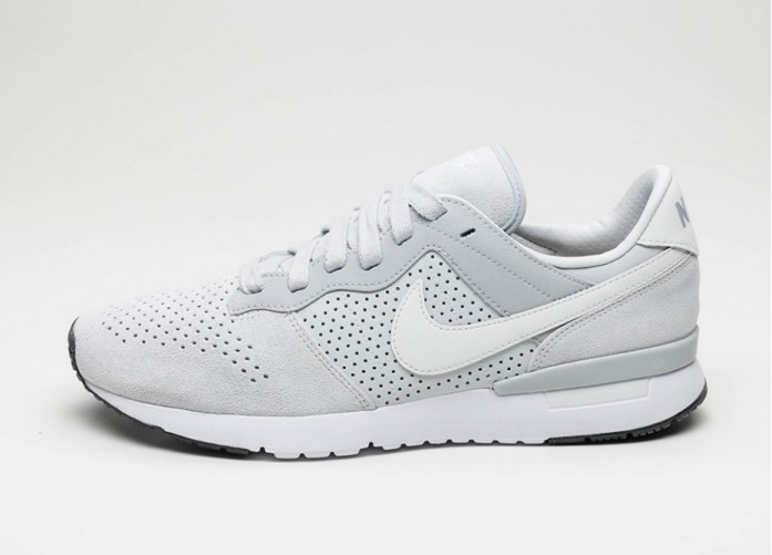 Мужские кроссовки Nike Archive \'83.M LX (Pure Platinum / Off White - Wolf Grey - White) | Интернет-магазин Sole
