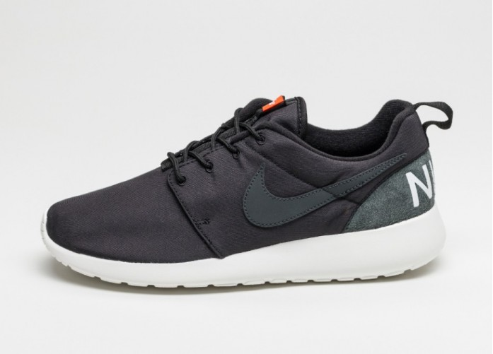 Мужские кроссовки Nike Roshe One Retro (Black / Anthracite - Sail) | Интернет-магазин Sole