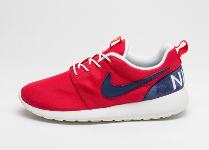 Мужские кроссовки Nike Roshe One Retro (University Red / Loyal Blue - Sail) | Интернет-магазин Sole