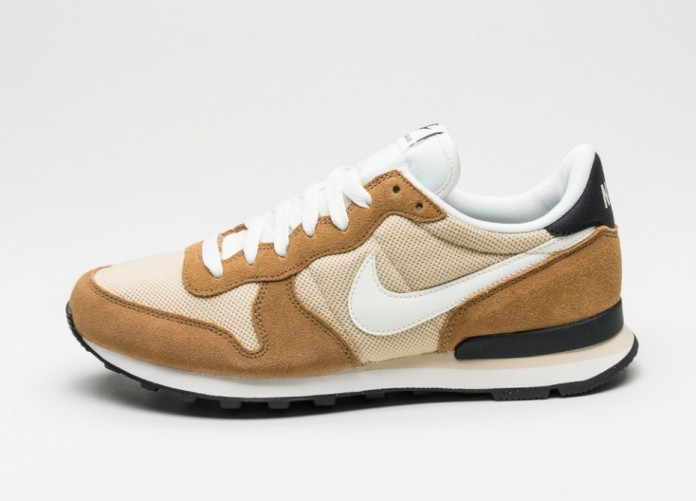 Мужские кроссовки Nike Internationalist (Vegas Gold / Sail - Rocky Tan - Black) | Интернет-магазин Sole