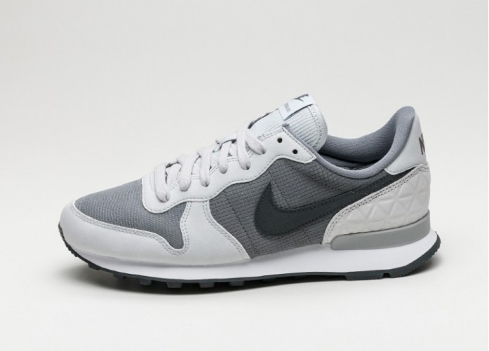 Мужские кроссовки Nike Wmns Internationalist PRM (Cool Grey / Anthracite - Pure Platinum - White) | Интернет-магазин Sole