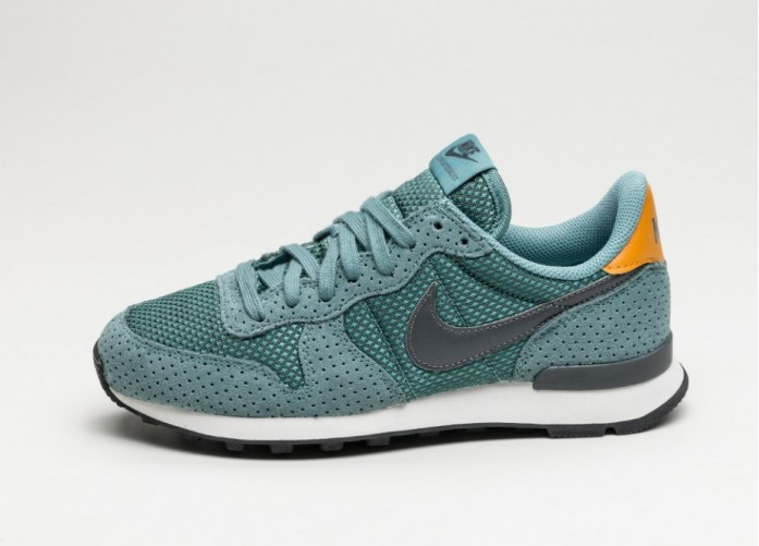 Женские кроссовки Nike Wmns Internationalist PRM (Blue Sage / Dark Grey - Summit White) | Интернет-магазин Sole