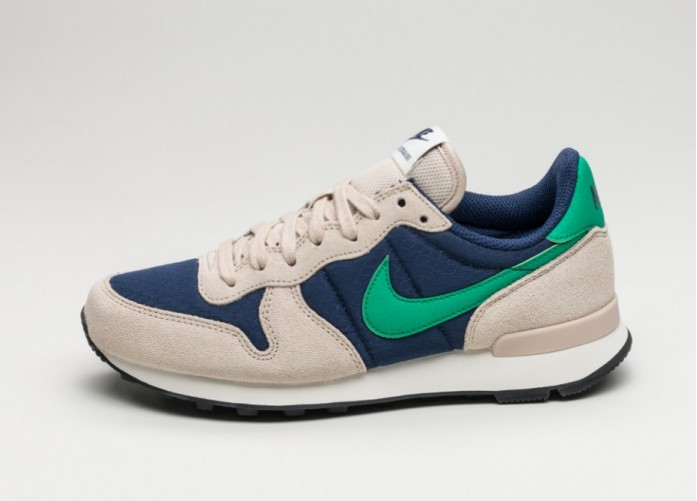 Женские кроссовки Nike Wmns Internationalist (Binary Blue / Stadium Green - Oatmeal - Sail) | Интернет-магазин Sole