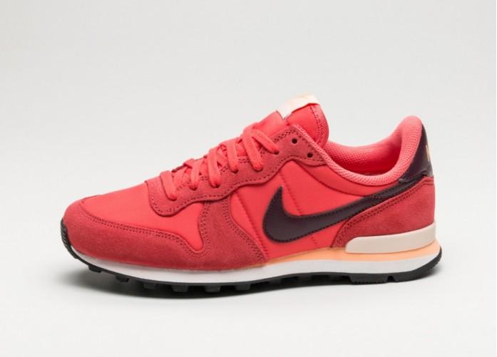 Мужские кроссовки Nike Wmns Internationalist (Ember Glow / Night Maroon - Summit White) | Интернет-магазин Sole
