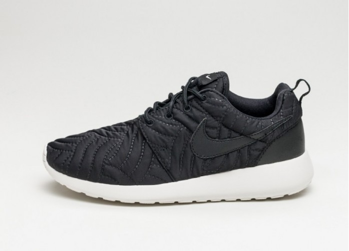 Женские кроссовки Nike Wmns Roshe One PRM (Black / Black - Ivory) | Интернет-магазин Sole