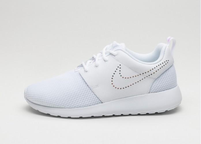 Мужские кроссовки Nike Wmns Roshe One PRM (White / White - Blue Tint) | Интернет-магазин Sole