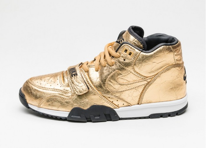 Мужские кроссовки Nike Air Trainer 1 PRM QS NFL *Superbowl* (Metallic Gold / Metallic Gold - Black) | Интернет-магазин Sole