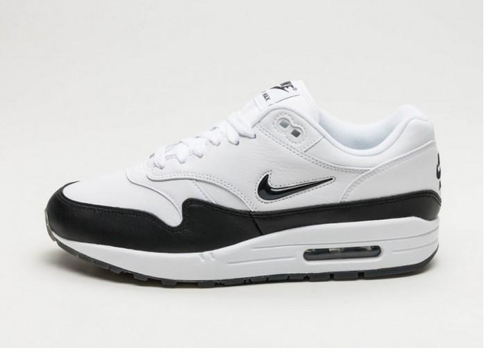 Мужские кроссовки Nike Air Max 1 Premium SC (White / Black - Black) | Интернет-магазин Sole