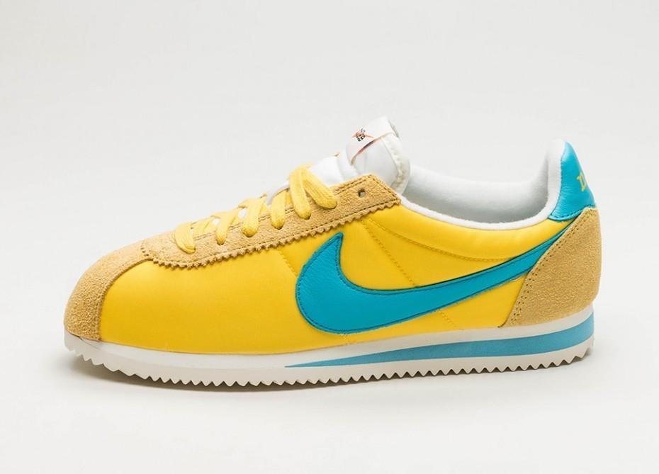 Мужские кроссовки Nike Classic Cortez Nylon  Kenny Moore  QS (Tour Yellow    Chlorine Blue - Sail) 51f770a87