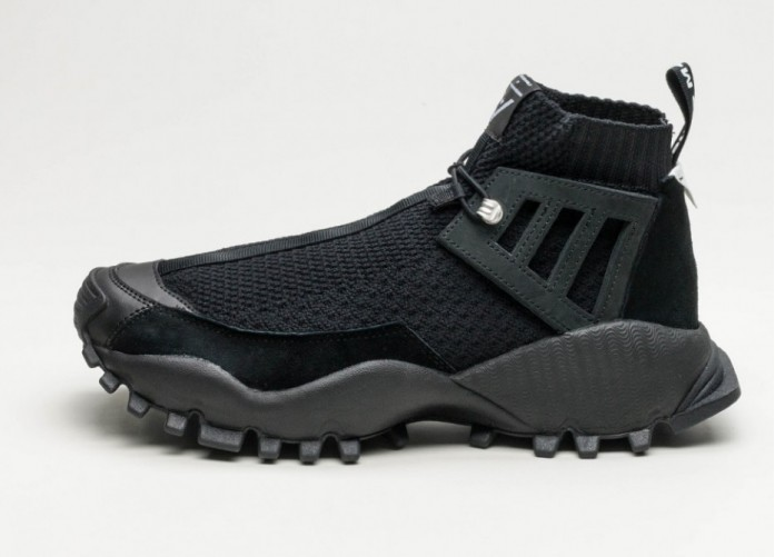 Мужские кроссовки adidas x White Mountaineering Seeulater Alledo (Core Black / Core Black / Core Black) | Интернет-магазин Sole